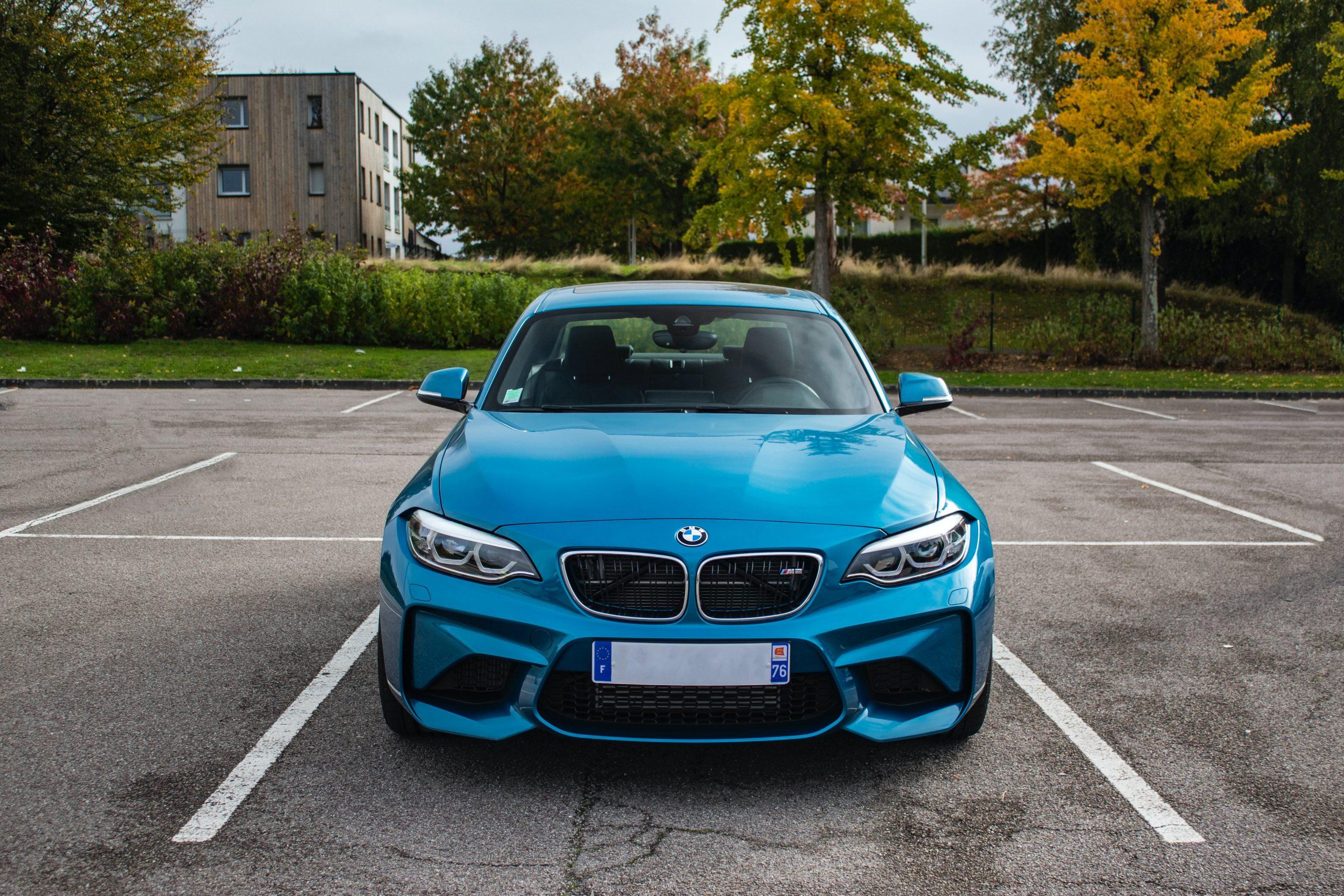 Acheter une voiture en Allemagne dans un garage1 scaled - Blog Japon
